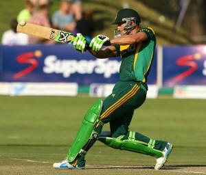 Faf du Plessis pulls during his maiden ODI ton © AFP