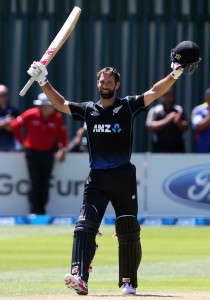 Grant Elliott finished with 104 off 96 balls © Getty Images