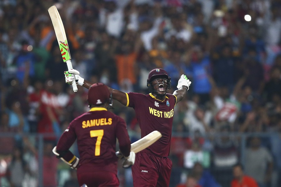 Carlos Brathwaite hit four sixes on the trot to seal the title © Getty Images